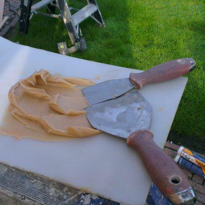 Even wat epoxy klaarmaken voor een reparatie